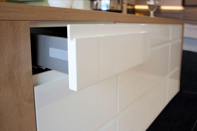 Automatisches Öffnen von Schranktüren - Ihr Küchenfachhändler aus ...